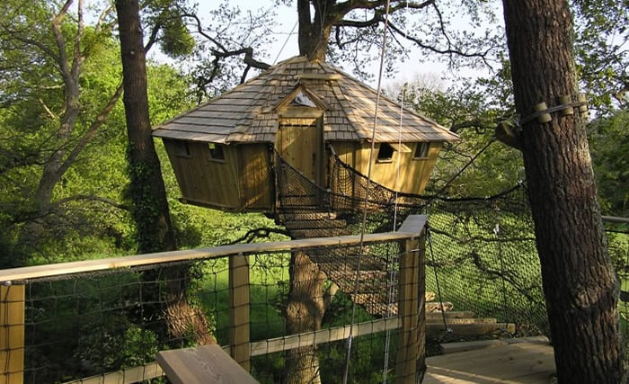 Tree House Hotel In France Pradan Treehouse Tree House Map