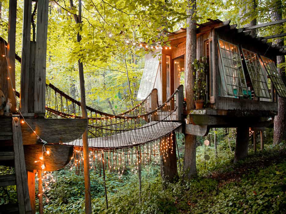 tree house hotel in the us secluded intown treehouse tree house maptree house map. Black Bedroom Furniture Sets. Home Design Ideas