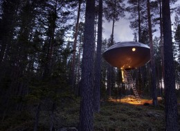 Treehotel in Sweden: The UFO