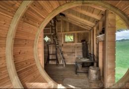 Tree house hotel in France: Sterenn treehouse