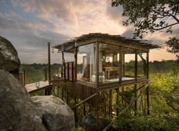 Tree house hotel in South Africa: Lion Sands Kingston Treehouse
