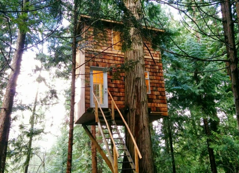 The Raven Loft: A tiny treehouse with lots of space (Vancouver, British Columbia)